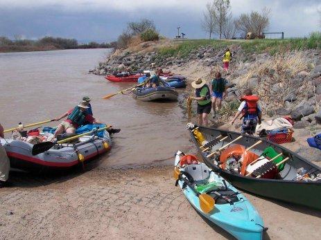 2009 Colorado River cleanup day via CMU
