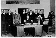Herbert Hoover presides over the signing of the Colorado River Compact in November 1922. (Courtesy U.S. Department of Interior, Bureau of Reclamation)