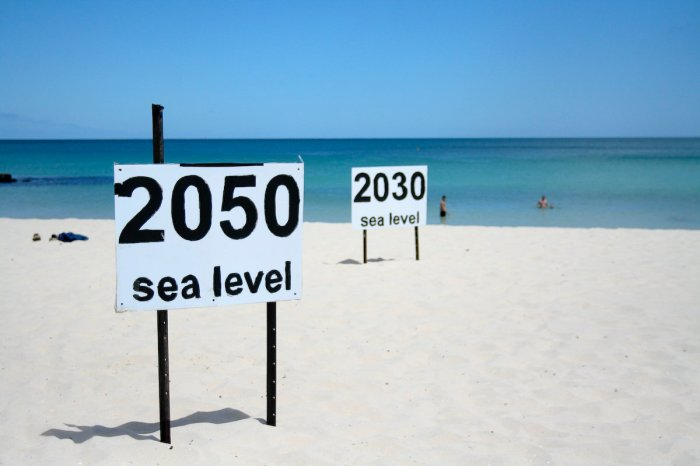 Efforts are underway in southern Florida to map the effects of the rising Atlantic Ocean. See: http://fiusm.com/2014/11/24/what-sea-level-rise-means-to-south-florida/