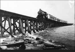 Southern Pacific passenger train crosses to Salton Sea, August 1906. Photo via USBR.