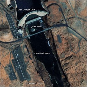 Glen Canyon Dam. Image courtesy NASA Earth Observatory.