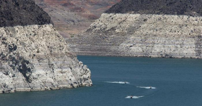 Lake Mead bathtub ring Mark Henle Arizona Republic