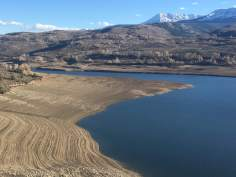 Parched lakebed of Green Mountain Reservoir, October 2018. (Photo by Susan Greene)