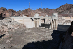 Lake Mead, behind Hoover Dam, shows the effects of nearly two decades of drought. (Image: Bureau of Reclamation)