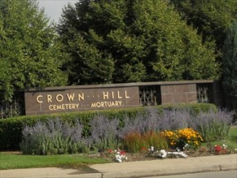 Entrance to Crown Hill Cemetery via WayMaking.com.